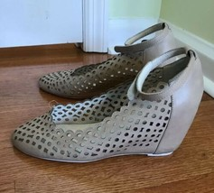 Jeffrey Campbell Kisses Beige Suede Perforated Hidden Wedge Bootie Size 9.5 M - $9.47