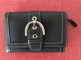 COACH Soho Black Leather Bifold Wallet With Big Front Buckle. - $24.52