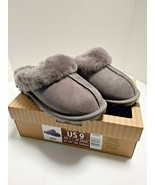 Women's Shearling  Genuine Sheepskin Slipper Grey Size 6 - $18.80