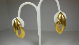 Vintage Gold Tone Clip on Earrings Mod Design - $7.91