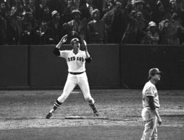 Cartlon Fisk Red Sox Reds Game 6 1975 World Series 124ME 8X10 BW Baseball Photo - $6.99