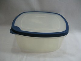 Rubbermaid Servin Saver Container Blue Rubber Rim Lid J 1.2 Gal 518 U Sq... - $24.18