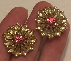 +VTG 50s Screw Back Earrings~ Gold Tone Flowers w/Deep Pink Rhinestone C... - $12.20