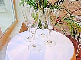 Set of 4 Champagne Glasses Cut Stem - $23.76