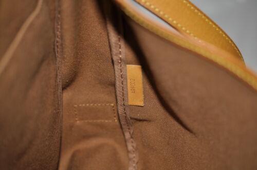 LOUIS VUITTON Monogram Saumur 43 Shoulder Bag M42252 LV Auth 6088