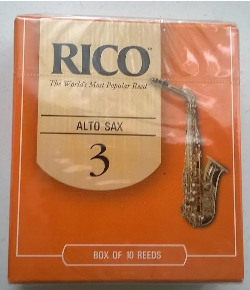 E - Flat Legere Saxophone Reed Alto Eb 2.50 Signature Cut