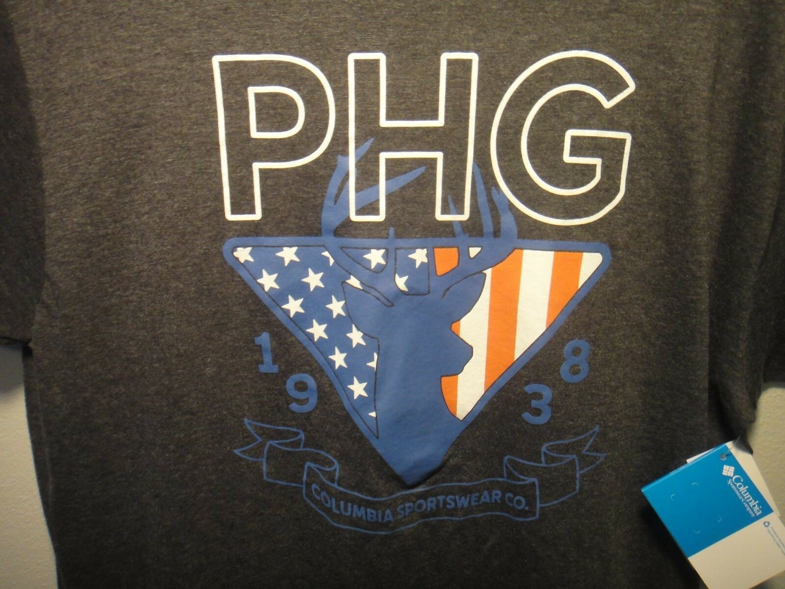 Columbia Sportswear Company PHG Deer Red White Blue Short Sleeve Shirt Size L - $16.79