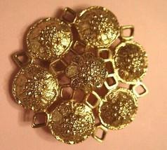 Sarah Coventry Pin Gold Plated VTG Medieval Style Medallion Florette Cluster - $19.75