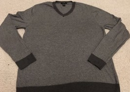 ALFANI Men's Gray V-neck Striped Sweater Size Medium Nice! Soft! Free Shipping - $16.99