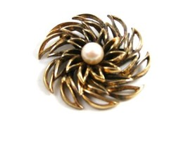 Classy Vintage Napier Sterling Silver Vermeil Real Pearl Brooch - $44.54