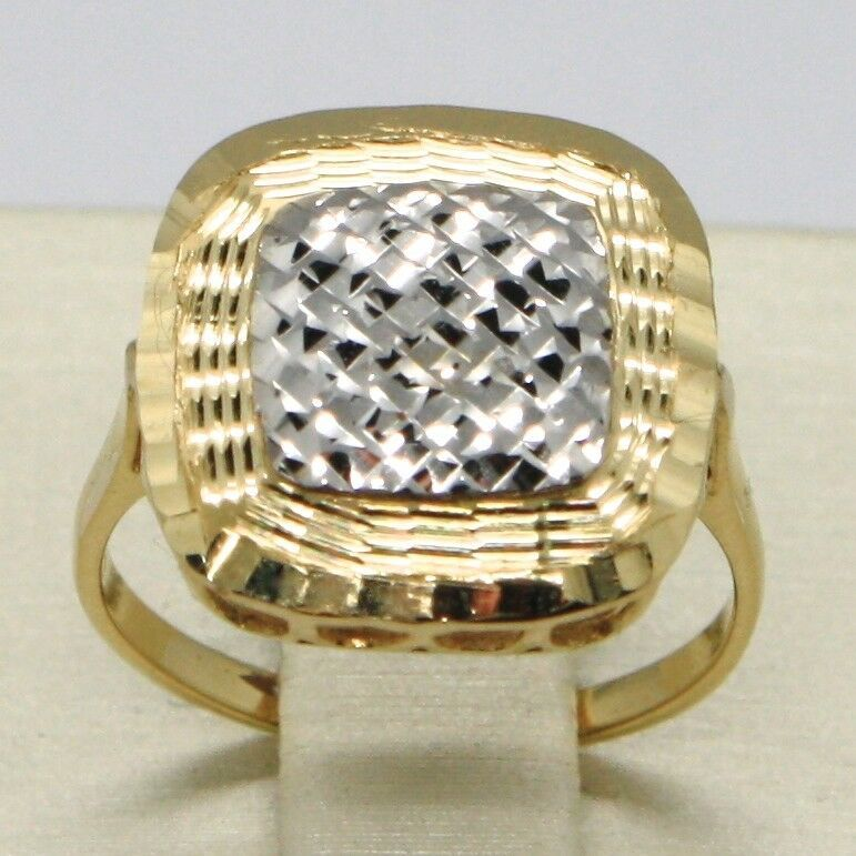 18K YELLOW & WHITE GOLD BAND RING FINELY WORKED SQUARE CENTRAL, MADE IN ITALY
