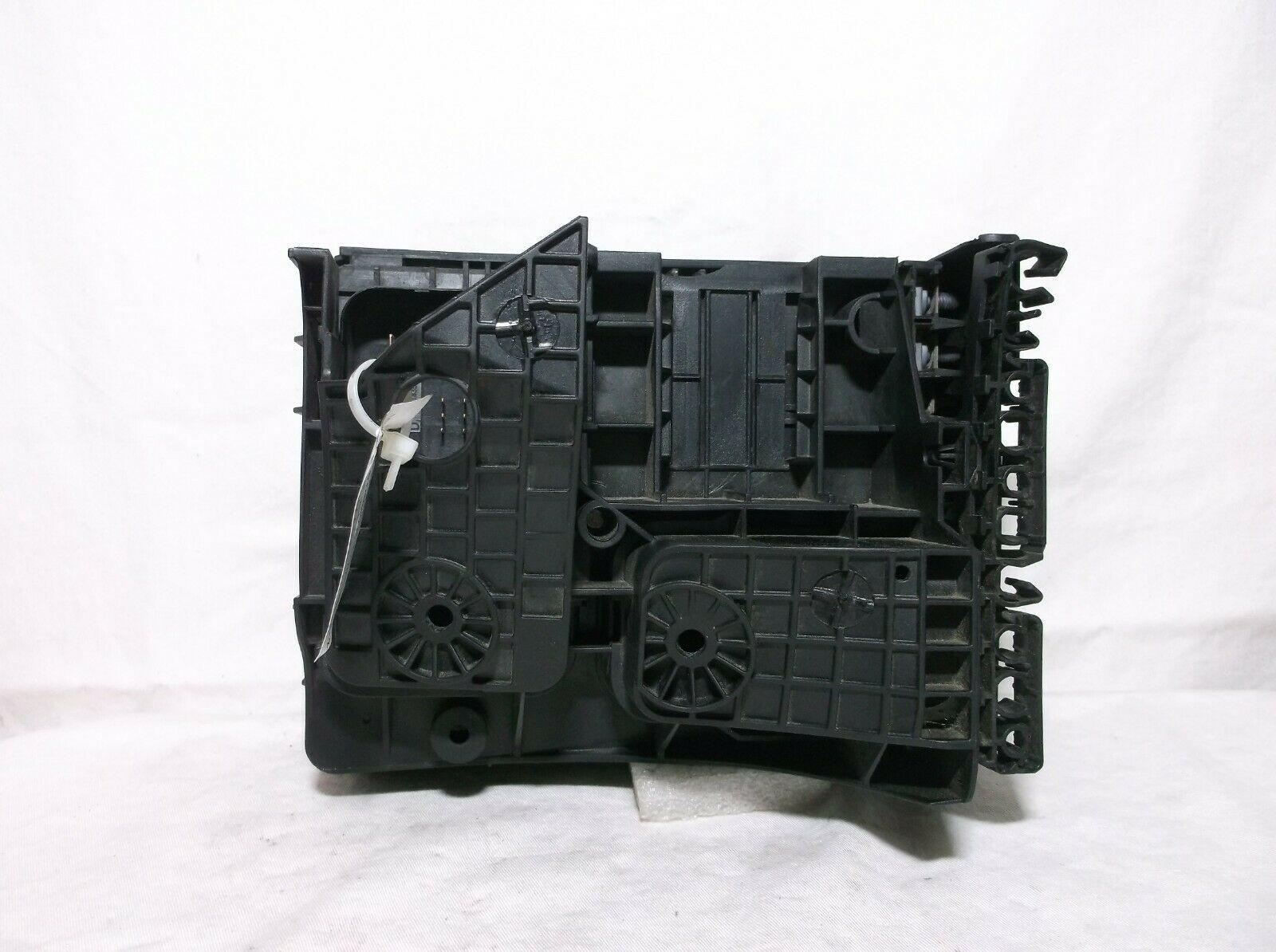 10-11-12-13-14 Volkswagen  Vw Golf Gti   Engine Bay Fuse   Relay   Box