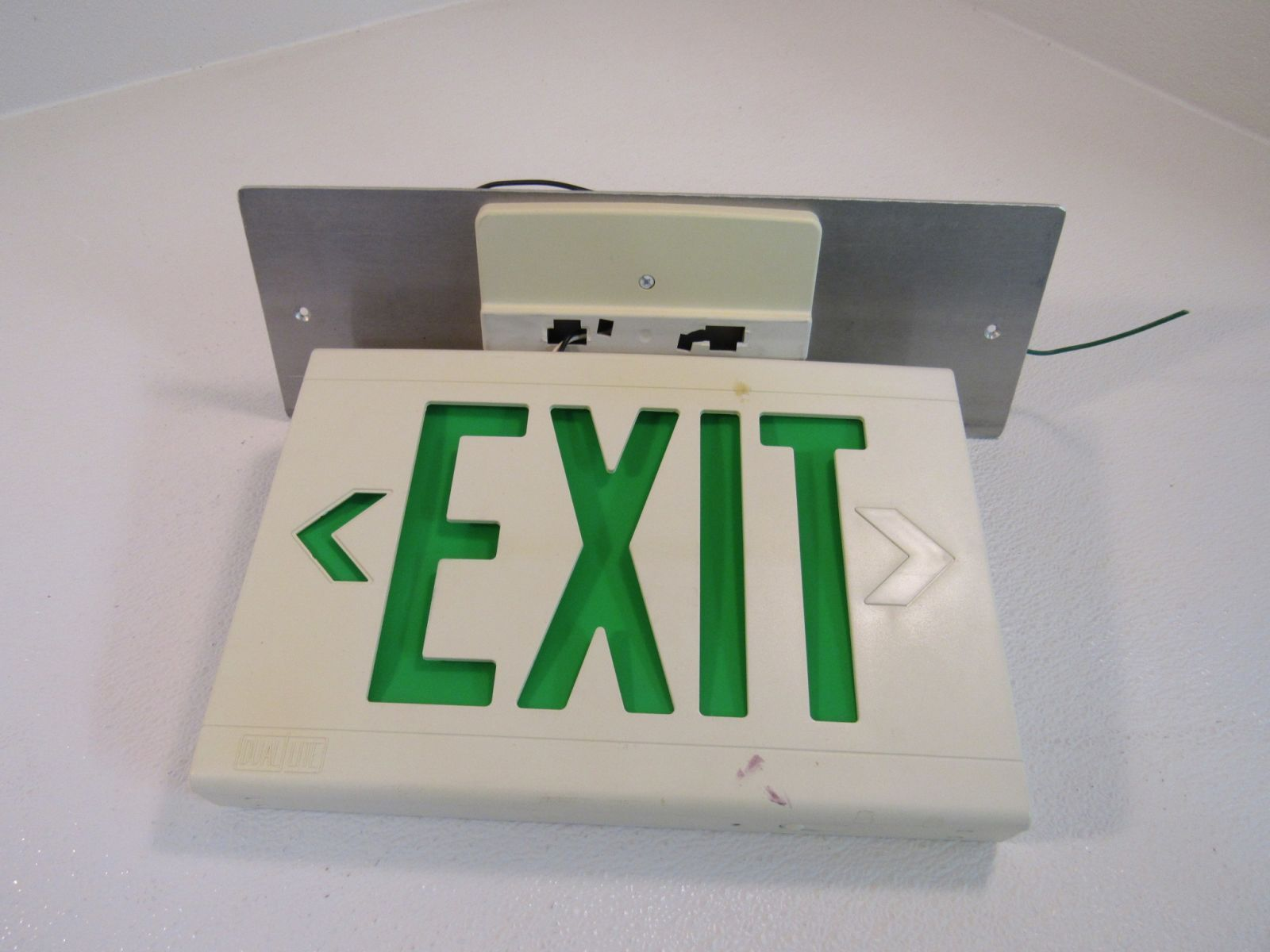 Hubbell Lighted Exit Sign 13in x 9in Single Side 120 VAC 277 VAC LED LXUGW