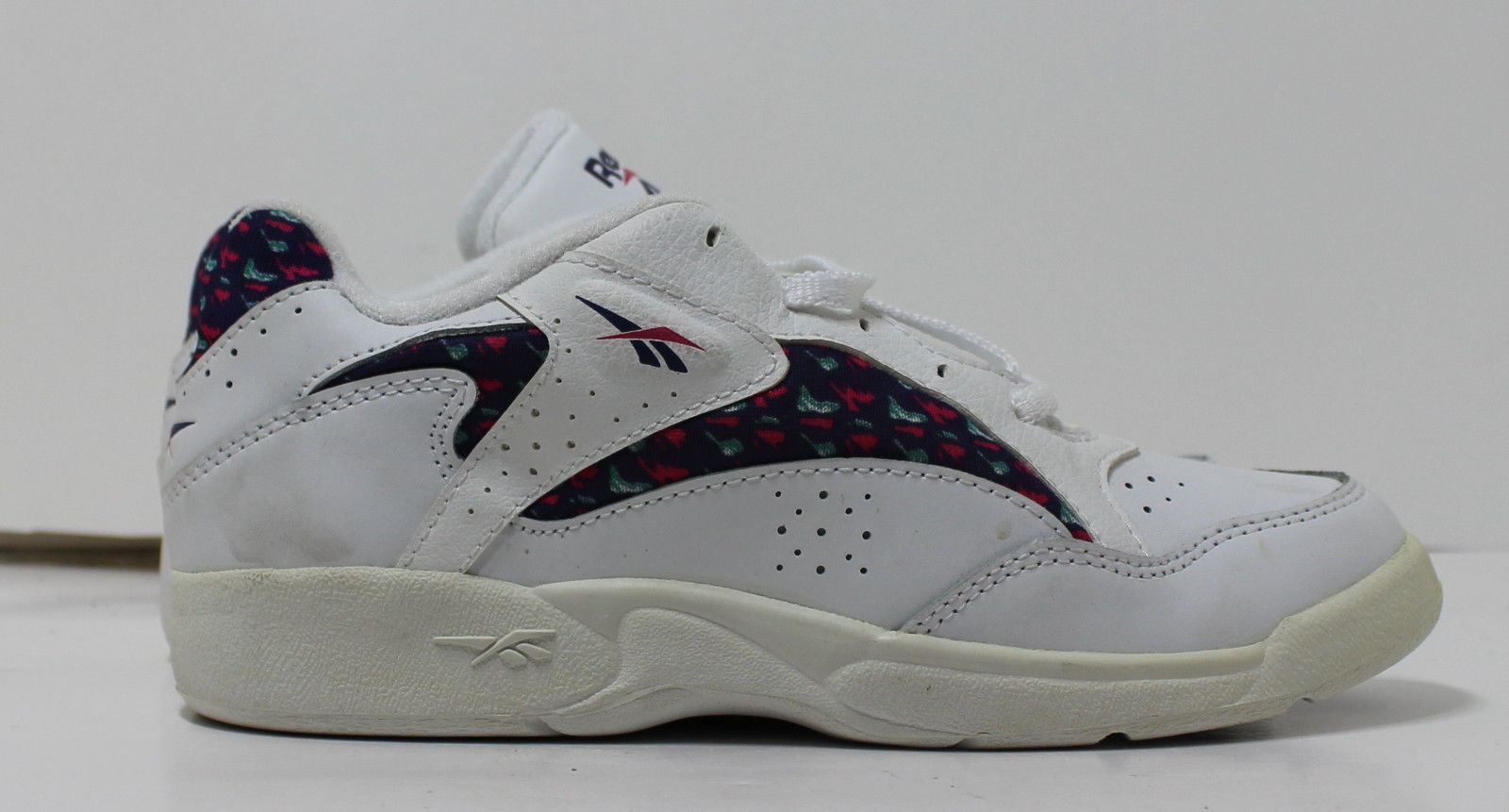 f69b27ea1dd6a Reebok Girls 1990s Vintage Sneakers White 2.5 Calypso Low 72-35318