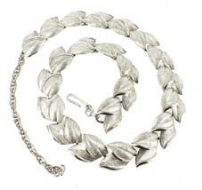 VINTAGE TRIFARI SILVER TONE BRUSHED FLORENTINE LEAF DESIGN NECKLACE 50'S... - $64.79