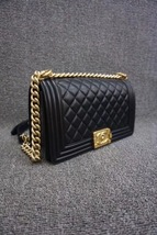 AUTHENTIC NEW CHANEL 2018 BLACK QUILTED LAMBSKIN MEDIUM BOY FLAP BAG GHW image 9