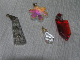 Vintage to NOW Lot of 4 Iridescent & Bright Red Plastic Snowflake Teardr... - $14.89