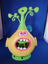 DreamWorks Poppy Trolls Camp Critter Pod Toy playset House Yellow  - $8.00