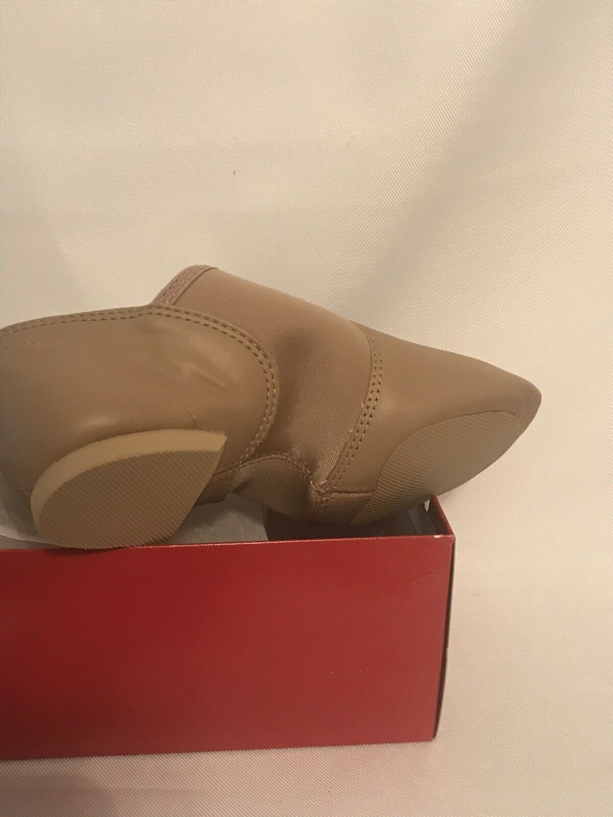 Capezio Caramel E-Series Jazz Slip On Split Sole Shoe kids size 7M image 3