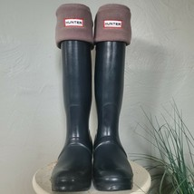 Hunter rain boots size 5 comes with socks - $98.01