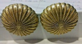 """Vintage Jewelry: 1"""" Monet Gold Tone Dome Shaped Clip On Earrings  04-23-... - $12.86"""