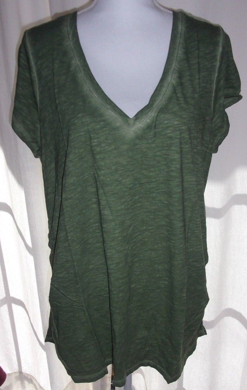 NEW!  a.n.a. ~ MATERNITY PLUS SIZE 1X ~  V-NECK T SHIRT TOP ~ $30 NWT