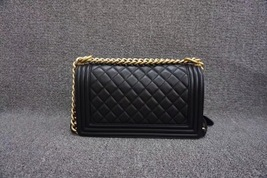 AUTHENTIC NEW CHANEL 2018 BLACK QUILTED LAMBSKIN MEDIUM BOY FLAP BAG GHW image 6