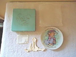 "Vintage "" NOS "" 1981 Cherished Moments Avon Mothers Day Plate With Easel - $24.99"
