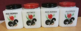 Vintage Milk Glass Spice Shakers / jars - red blossoms -red floral - $1.636,51 MXN