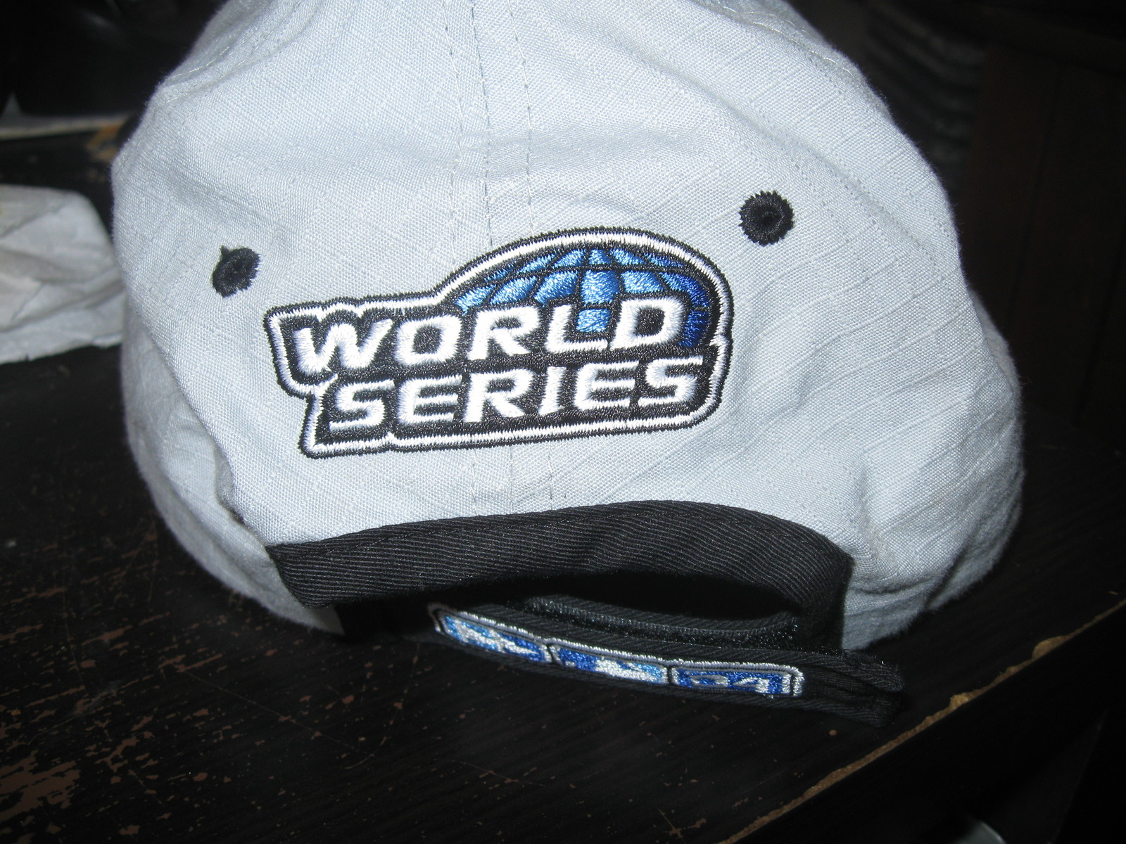 CARDINALS 2004 NATIONAL LEAGUE CHAMPIONS  HAT EMBRIODED!PLAYOFFS!