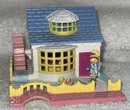 Bluebird Toys Polly Pocket Grandma's Cottage - Vintage 1994 & 1 Doll Pol... - $38.99