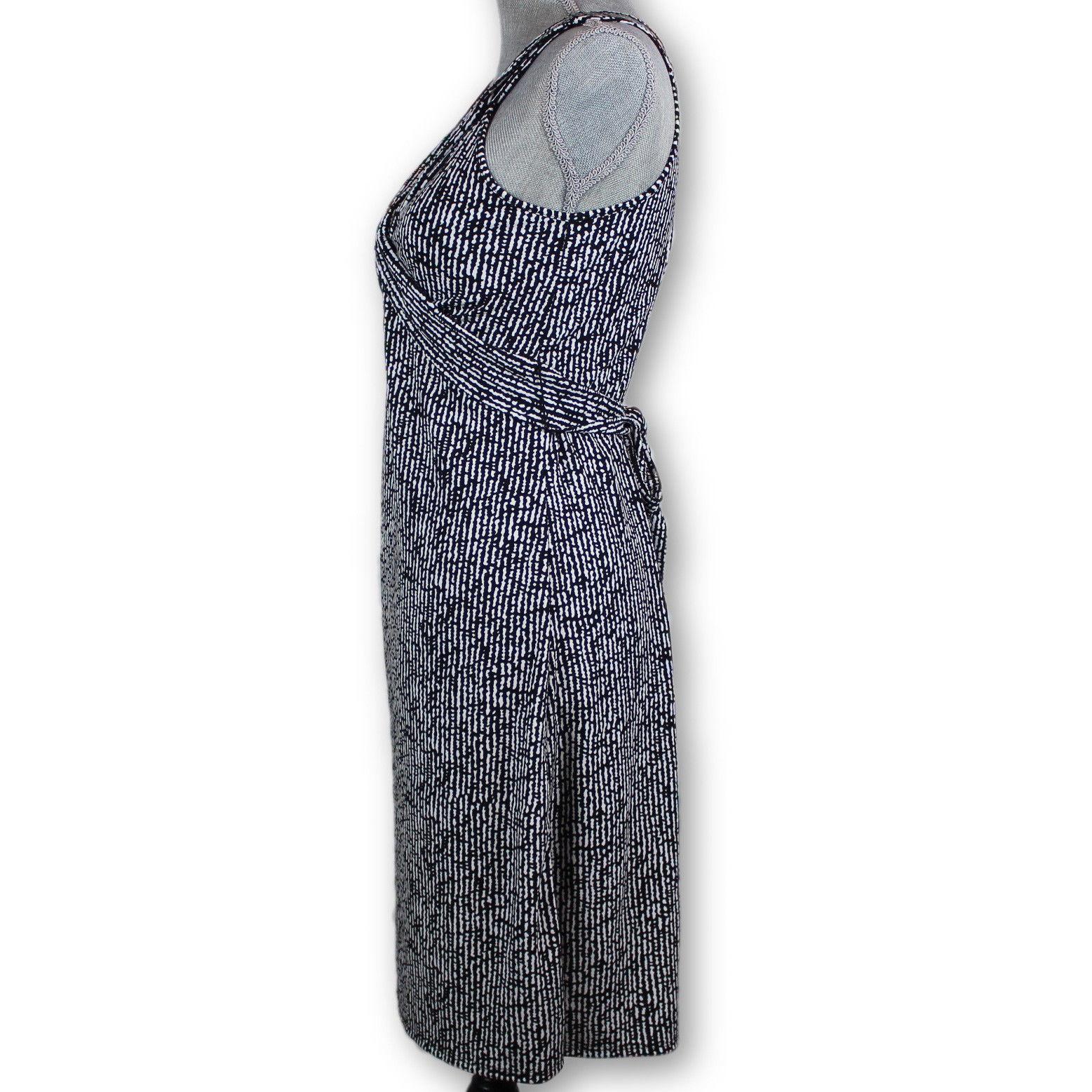 ANN TAYLOR LOFT Dress Size 2 Black and White Print Sleeveless v neck