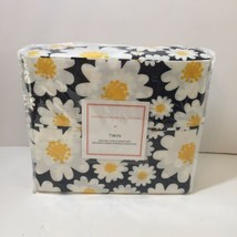 4 pc Twin Sheet Set Black with White Daisies American Home Collection - $19.34