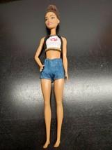 2015 Mattel Barbie Fashionista Doll - Brunette - $9.28