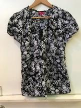Beyond Scrubs Womens Black White Floral 100% Cotton M Medium - $15.95