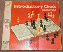 CHESS INTRODUCTORY CHESS GAME 1973 MILTON BRADLEY TEACH YOURSELF CHESS C... - $15.00