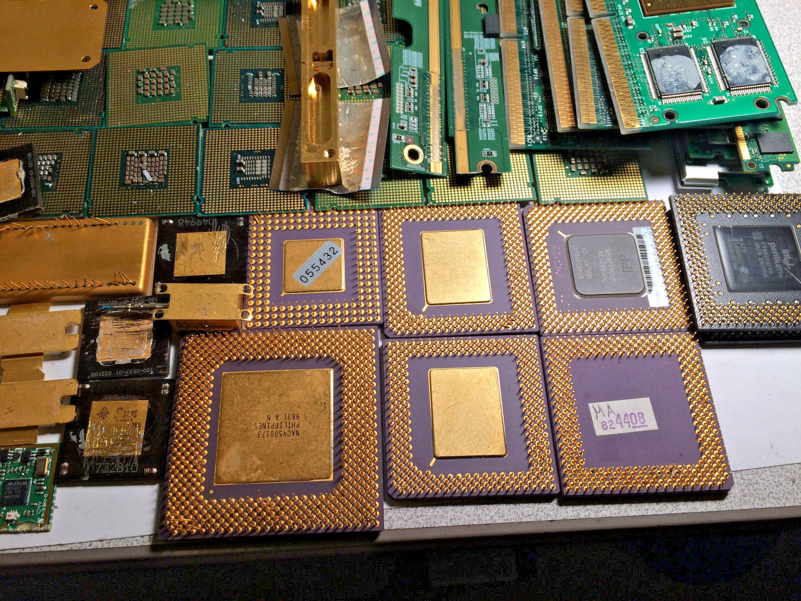 21 lbs Gold Scrap CPU Processors, Ram, Finger Boards for Gold Recovery Art