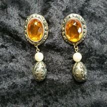 Vintage Gold Tone  Faux Stone & Pearl Drop Dangle Earrings Excellent Condition - $14.84