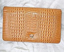 *VINTAGE CROCODILE OR FAUX CLUTCH BAG GOLD METAL C OVER SNAP CLASP SMAR... - $17.51