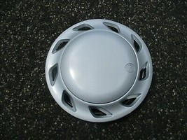 One factory 1991 to 1993 Volkswagen Fox 13 inch hubcap wheel cover - $23.03