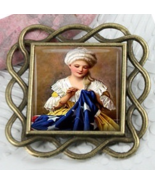 Betsy Ross Square Vintage Antique Gold Needleminder cross stitch accessory - $12.00