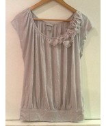H&M Gray Floral Embellishment On Shoulder Cap Sleeve Top Size S Small - $7.95