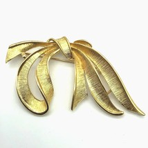 Napier Bow Ribbon Brooch Pin Gold Tone Signed 2.5 Inches Wide Vintage 80s - $11.88