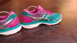 Womens Asics Gel Nimbus 18 Running Shoes SZ 7 Used Sneakers Trainers image 7
