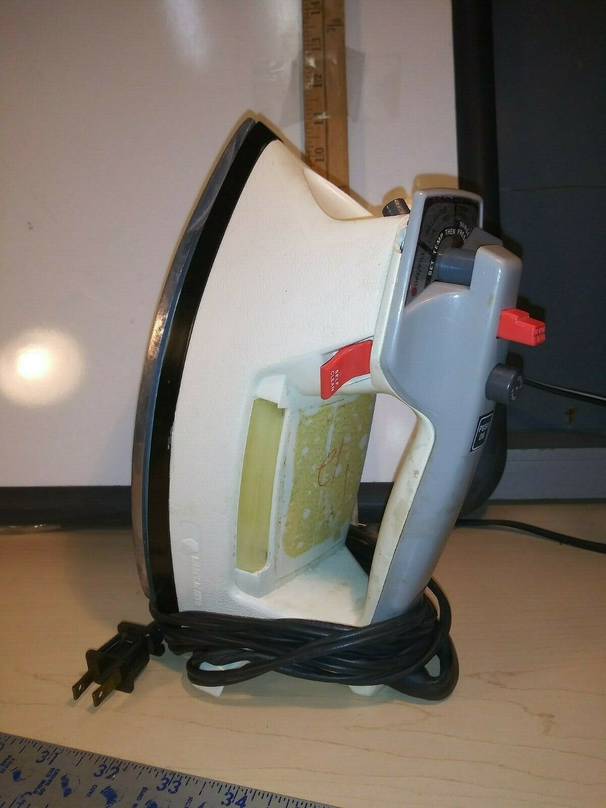 Black & Decker Wrap and Rest IRON model S7F438WH - $10.00
