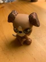 Littlest Pet Shop~#2351~Baby Boxer~Puppy Dog~Tan~Brown Glitter Ears~Gree... - $147,55 MXN