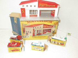 DIECAST LESNEY/MATCHBOX FIRE STATION GIFT SET G-5 W/CARS-SIGN & PUMPS- B... - $1,155.42