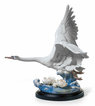 Lladro Porcelain Retired 01001905 Majestic Swan Sculpture Limited Ed New 1905 - $2,551.10