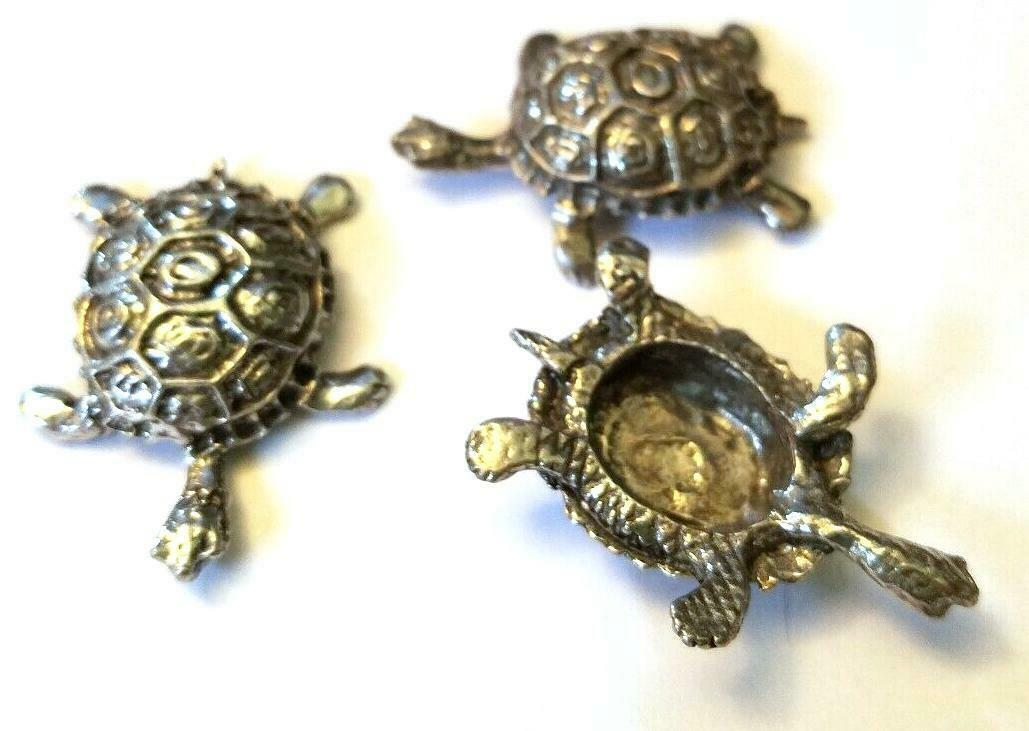 TURTLE FIGURINE CAST WITH FINE PEWTER - Approx. 1 1/4 inches Long (T151)