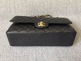 AUTHENTIC CHANEL BLACK QUILTED CAVIAR MEDIUM CLASSIC DOUBLE FLAP BAG Ghw image 3